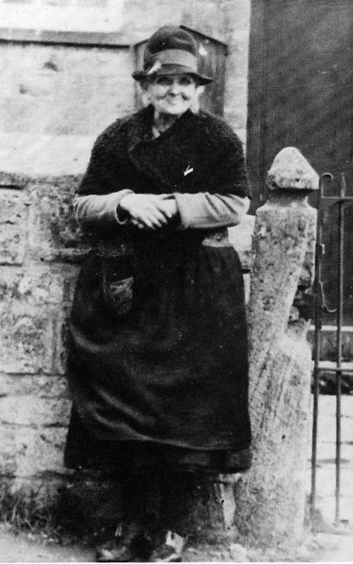 Mrs Fanny Rathband, about 1925. Ascott Martyrs