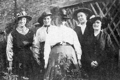 Mabel Pearce (second from right), about 1917